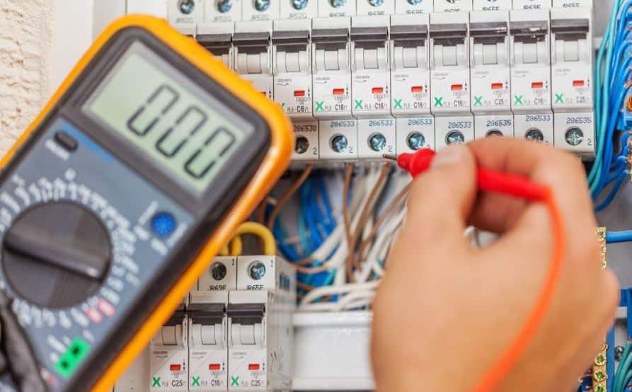 electricista malaga 24 horas